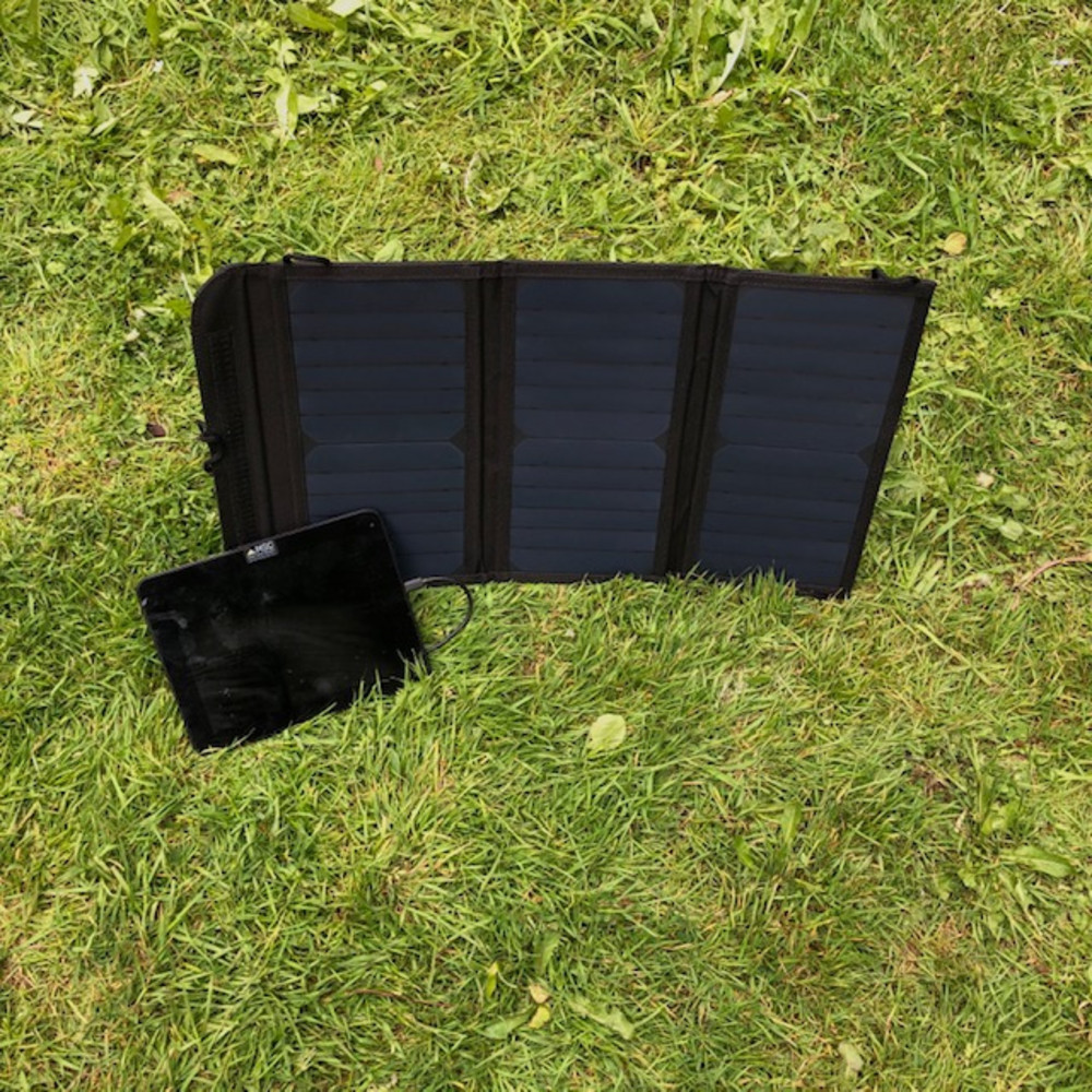 MSC 19.5W 5v & 12v USB Portable Solar Panel Charger