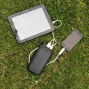 MSC Weekend solar phone charger