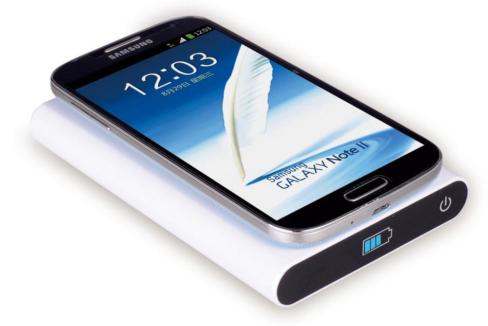 eaf4a87fff25fb QI Portable Wireless Charging Pad and USB Power Bank (7000mah)