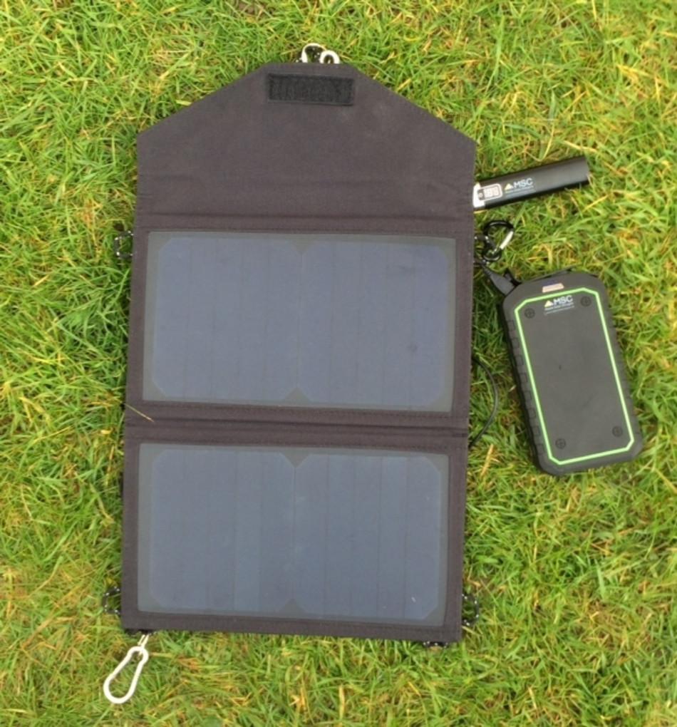 Overland Waterproof 12v Jump Starter 32wh 5v Usb Power Bank 4 Portable Solar Powered Mobile Phone Battery Charger Ecn Blog Msc Charging From 12w
