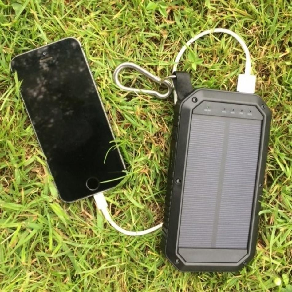 W E 15w Solar Charger Triple Usb 8000mah Msc
